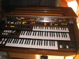 vintage yamaha electone electric organ model c needs new bulb at