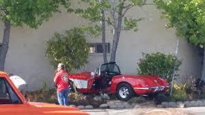 corvette crash corvette crashes into a wall while showing autoevolution