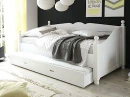 white twin daybed picture of belmar white 7 pc daybed bedroom
