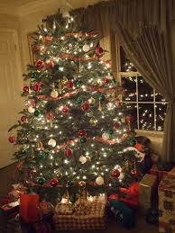 real christmas tree how to keep your christmas tree fresh ga landscapers