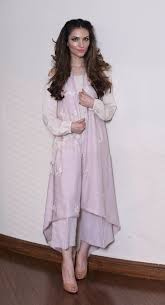 Robe De Maison Simple Playing Dress Up With Maison De Lace Sunday
