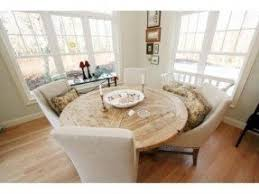 create a peaceful atmosphere in your dining with round white table
