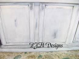Epoxy Paint For Kitchen Cabinets Chalk Paint Cabinets She Also Has A Tutorial For Butcher Block