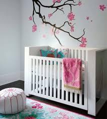 décoration de chambre pour bébé chambre enfant chambre pour bébé decoration murale arbre lit bebe