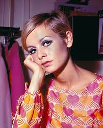 twiggy hairstyle twiggy s hair takes centre stage again as 60s icon is unveiled as