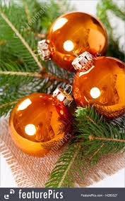 picture of shiny christmas balls