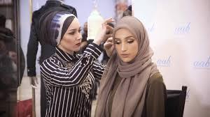 tutorial hijab nabiilabee live hijab tutorial and style tips with nabiilabee lookamillion