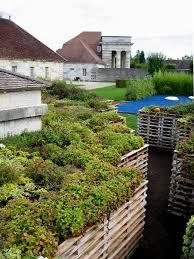 Raised Garden Beds From Pallets - 25 diy ideas using pallets for raised garden beds snappy pixels