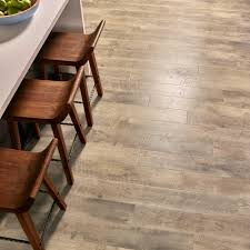 Dupont Real Touch Laminate Flooring Pergo Outlast Southport Oak 10 Mm Thick X 6 1 8 In Wide X 47 1 4