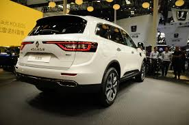 renault koleos 2017 2017 renault koleos has a hint of volvo xc90 in first videos and