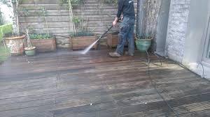 nettoyage terrasse bois composite technique nettoyage en profondeur d u0027une terrasse en bois exotique