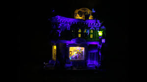 lemax halloween houses zombie u0027s cafe lemax spooky town video review youtube