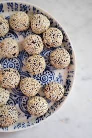 tahini date u0026 chocolate truffles in jennie u0027s kitchen