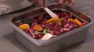 cuisiner le sanglier avec marinade marinade pour daube de boeuf par alain ducasse