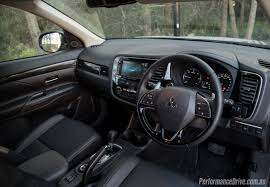 mitsubishi outlander interior 10 things to know about the 2016 mitsubishi outlander