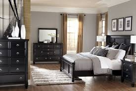 Black Bedroom Furniture Sets King  Home Interior Decorating Ideas - Black bedroom set decorating ideas
