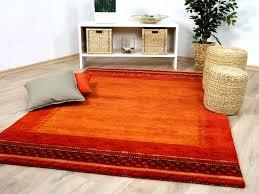 Wohnzimmer Rot Orange Funvit Com Tapete Silber Weiß
