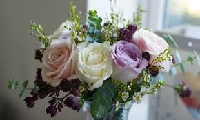 wedding flowers on a budget uk 16 inexpensive wedding flowers that still look beautiful for