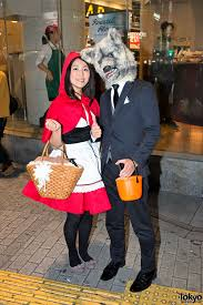 halloween in japan shibuya street party costume pictures