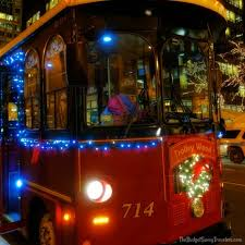 holiday lights trolley chicago chicago s best holiday tour chicago trolley holiday lights tour