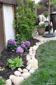Backyard Easy Landscaping Ideas by Best 20 River Rock Landscaping Ideas On Pinterest River Rock