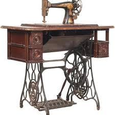 Singer Sewing Machine With Cabinet by 20 Best Sewing Machine Images On Pinterest Sew Singer Sewing