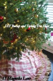 looking burlap tree skirt in living