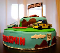 lightning mcqueen birthday cake before dinner cars lightning mcqueen cake for a 4th