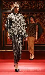Batik Danar Hadi koleksi terbaru batik danar hadi foto 7 1477061 tribunnews