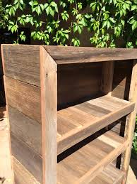 Making Wood Bookcases by Diy Rustic Pallet Bookshelf Bookcase 99 Pallets