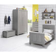chambre complète bébé avec lit évolutif chambre complète lit évolutif 70x140 commode à langer armoire