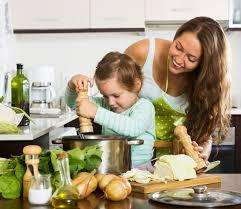 cuisine famille bonne famille cuisine soupe télécharger des photos gratuitement
