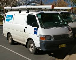 toyota vans file 2004 toyota hiace telstra jpg wikimedia commons