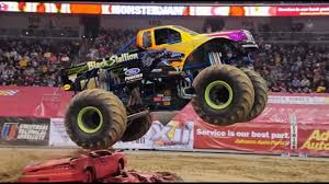 Monster Jam Milwaukee Wi 2014 Field Of Trucks Youtube
