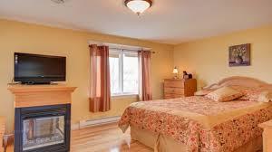 Light Orange Bedroom - Bedroom orange paint ideas