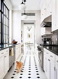 comment installer une cuisine comment aménager une cuisine en longueur types avantages et astuces
