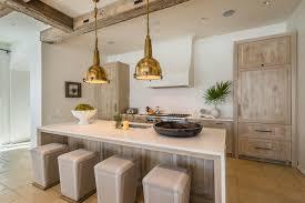5 trendy coastal kitchens