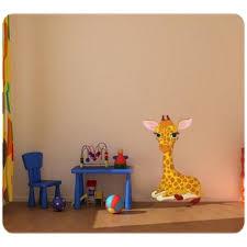 chambre la girafe sticker bébé girafe un autocollant pour chambre enfant et bébé