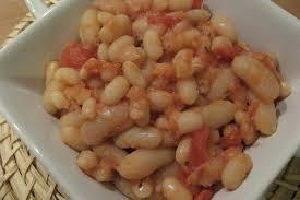cuisiner les haricots blancs recette de haricots blancs à la sauce tomate la recette facile