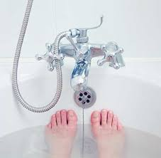 Choosing A Bath Tub Big Enough To Soak In I Change My Kohler How To Buy A Bathtub Your Guide To Finding The Best Tub For You