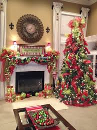 Decorate Christmas Tree With Deco Mesh by Best 25 Christmas Tree Ribbon Ideas On Pinterest Christmas Tree