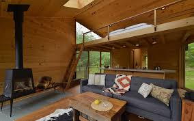 Treehouse Living Modern Catskills Treehouse Uses Angular Geometry To Connect With