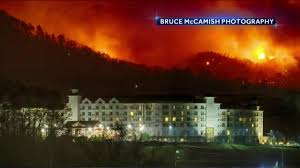 Wildfire Chicago Reservations by Three Dead 14 000 Evacuate As Wildfires Ravage Tennessee Resort