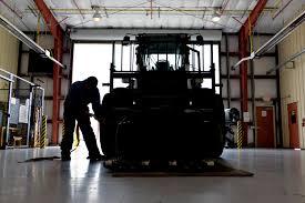Forklift Mechanic Vehicle Maintenance Keeps Travis Rolling U003e Air Mobility Command