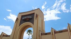 hotels near halloween horror nights in orlando how far is the walk to universal studios orlando from onsite