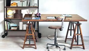 bureau sur treteaux pour bureau agracable planche de bois pour bureau 0 puis je