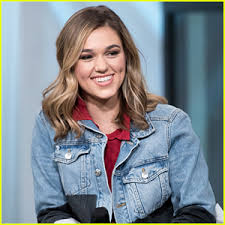 sadie robertson hairstyles for 2018 reality star sadie robertson shows off new wild blue denim holiday