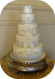 wedding cakes with bling ivory buttercream wedding cake with bling ribbon flickr