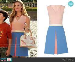 wornontv paige u0027s pink and blue colorblock dress and fish print