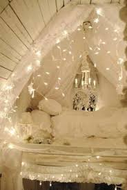 Holiday Home Design Ideas 15 Creative Home Decorating Ideas With Christmas Lights